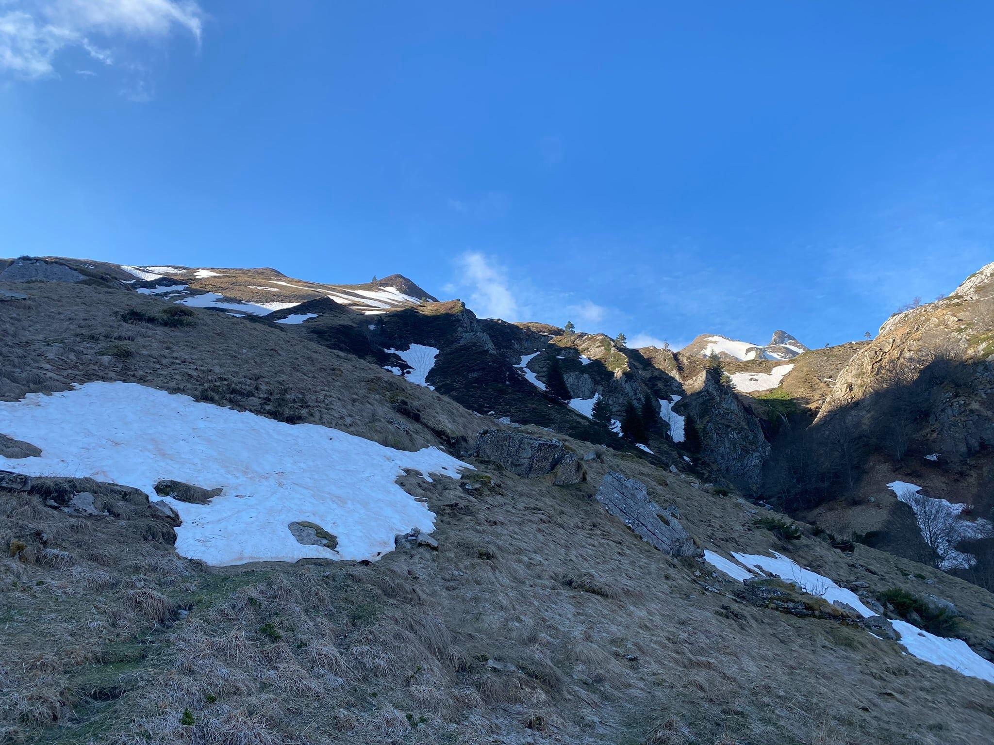 Au fond à droite : Soum des Caudères (2033 m)