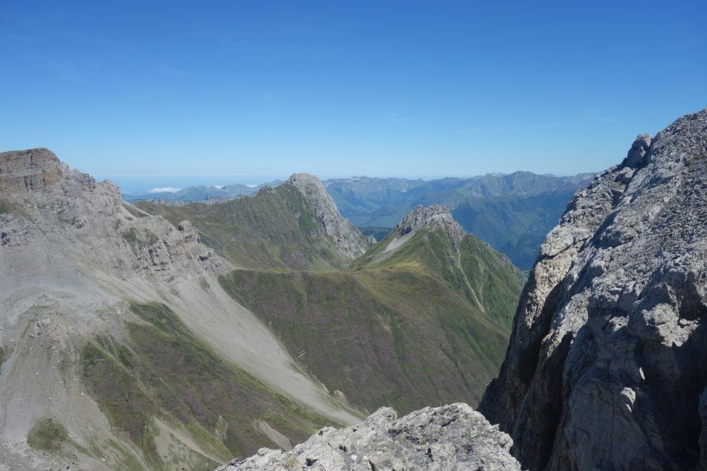 Vue sur la table des trois rois (2421 m) et le grand Billare (2318 m)